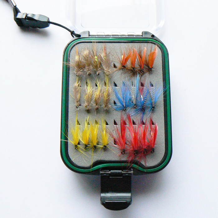 Dry and wet fly lures with fly clear waterproof box trout for Discount fly fishing gear