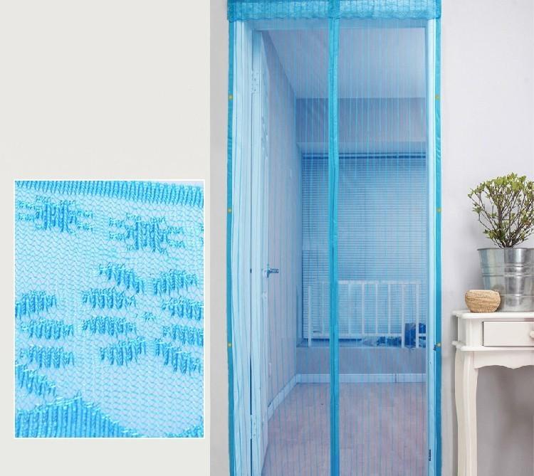 Антимоскитная сетка на магнитах 100х210 (голубая), цена 9,90.