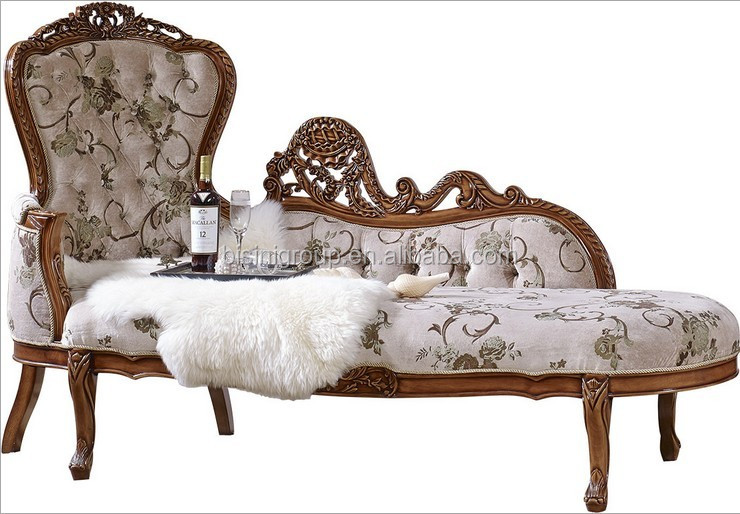 Romantic french style chaise lounge sofa in vintage cream for Antique style chaise lounge