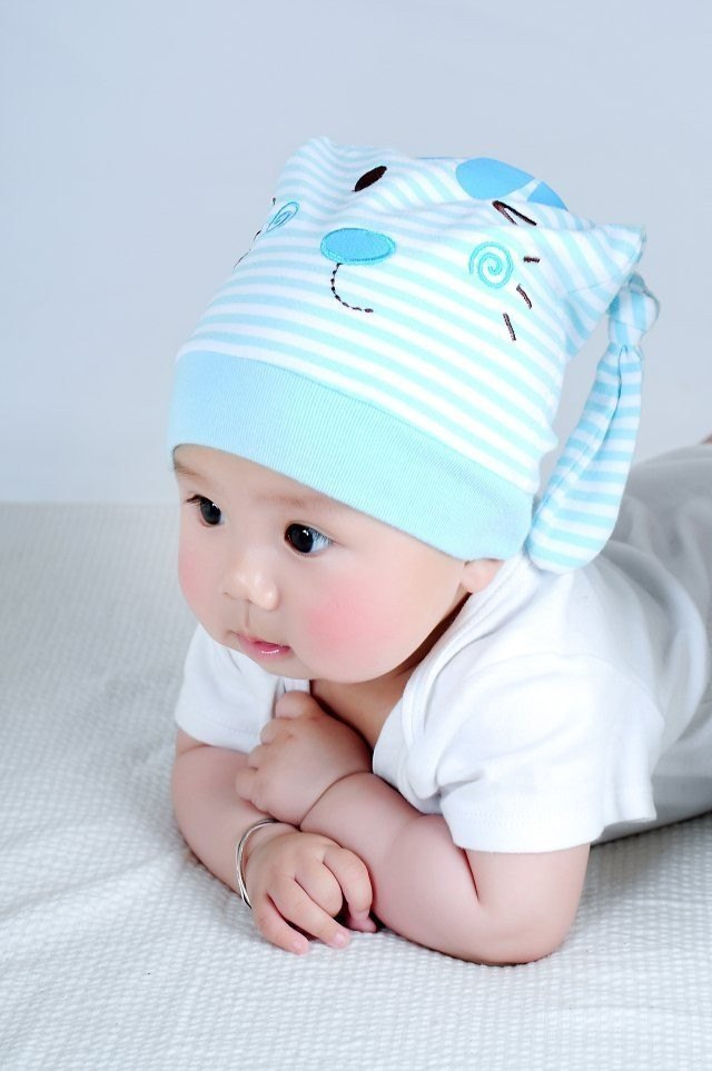 Сшитая шапка для новорожденного 998