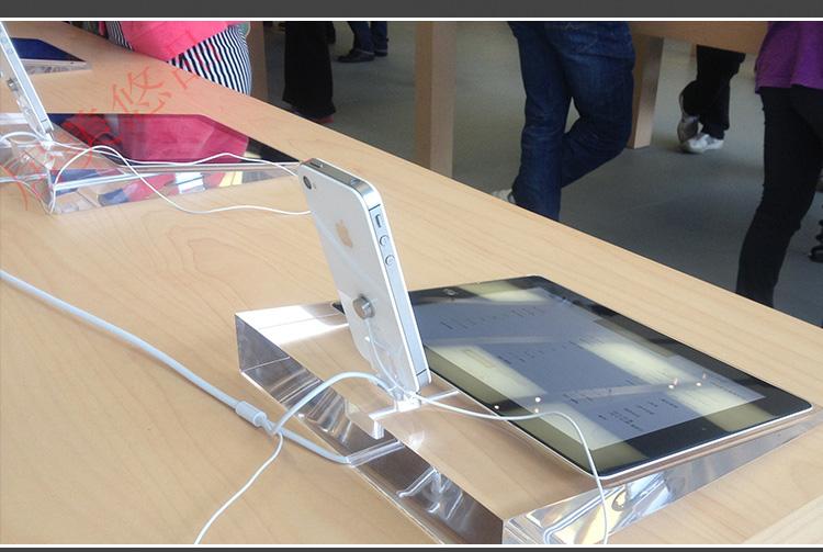 iPhone-iPad-2-acrylic-Apple-Store-Display2_12