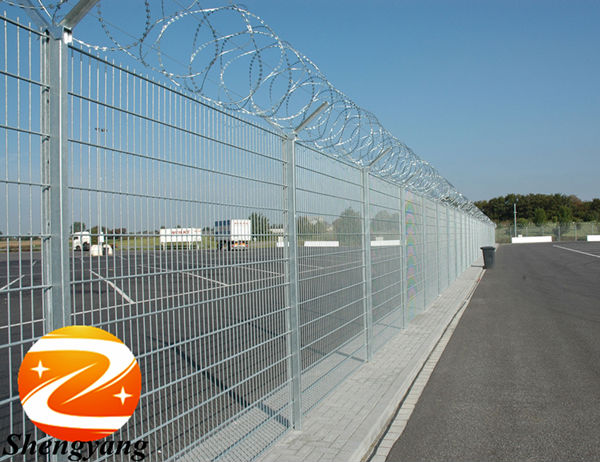 Height customized prison used fences barbed wire