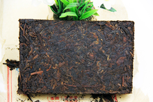 high mountain natural and organic beauty-slimming yunnan Pu'Er tea refined Chinese tea gift