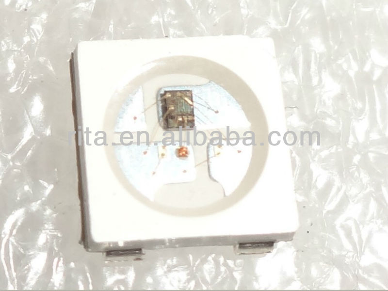 100 pezzi ws2812b; 4 pin; 5050 smd led rgb con built- in ws2811 ic all'interno;
