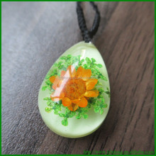 Crystal Pendant Real Flower Embedded Resin pressed flower jewelry
