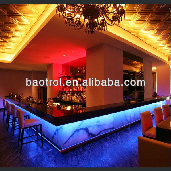 Oem moda exuberante discoteca muebles bares tiki giratorio for Modelos de barras de bar