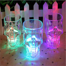 The water is bright LED luminous cup colorful light cup