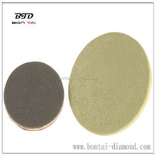 Diamond buffing pad for dry polishing stone and concrete