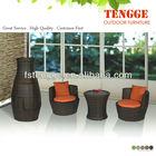 Cadeiras de jardim ao ar livre de vime