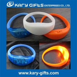 Cute gifts promotion Nylon/ Silicone remote controlled led bracelet