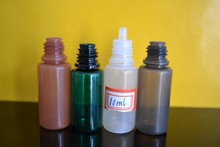 small plastic containers with lids 10ml