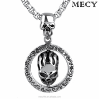 MECY LIFE stainless steel circle with skull head Halloween pendant jewelry