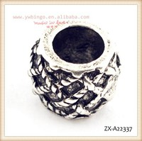 Crystal Rhinestone Studded Silver Antique Bead ,With a lattice-type pattern, wholesale beads ZX-A22337