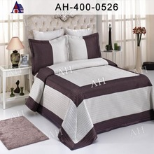 Ssilk Jacquard Bedding Cover with Poly Filling
