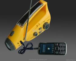 AM/FM or FM band super led flashlight Solar and dynamo radio