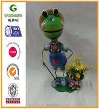Metal shinning frog with pitchfork flower pot for garden decoration