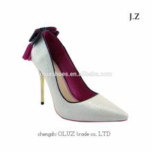 OP10 las señoras al por mayor del alto talón del dedo del pie puntiagudo zapatos de vestir de mujer de moda de cuero de oro