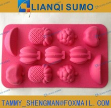 FDA fruits shape plastic ice cube tray / ice mould with TPR