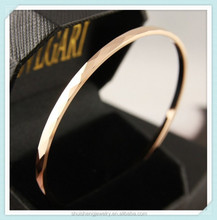 Stainless steel jewelry bangle Europe hotsale rhombus pattern custom 22k gold bangles for sale