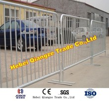 install the pvc coated temporary fence panel
