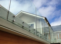 Railing system for cantilevered glass balustrade