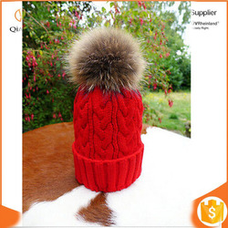 Knit Red Bobble Hat Raccoon Fur XL Pom Pom Beanie Bobble Ski Hat