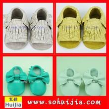Venta al por mayor de China austriacos venta hermoso color de las borlas y arco mocasín aliexpress zapatos