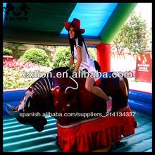 Al aire libre de carnaval de atracciones paseos mecánica rodeo toro/rodeo toro inflable para la venta