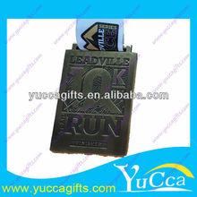 latón antiguo forma personalizada y medalla de tamaño