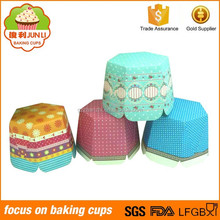 Hot Sale Different Shapes Baking Cups PE Film Plastic Cupcake Packaging