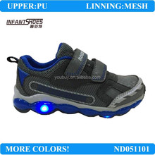 PU and mesh boys athletic shoes with lights for children