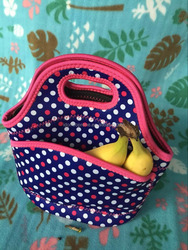 Wholesale Neoprene Lunch bag with pouch on front side , cooler/ warm Neoprene carry bag