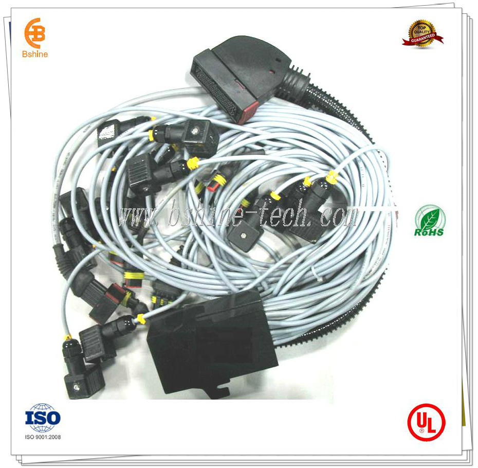 cable harness for trailed sprayer