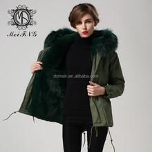 2015 increíble borde de piel de color verde oscuro de piel de mapache capucha parque, mr. y para mujer del estilo del cortocircuito de la chaqueta de invierno, para mujer chaqueta de invierno capucha de piel