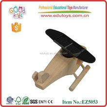 2015 novos produtos de madeira brinquedos solares para crianças