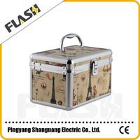 Aluminium beauty case with handle B6 860