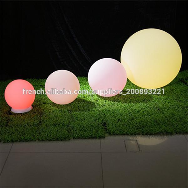 Lanterne de jardin mobilier lumineux led pour lanterne for Eclairage de jardin a led