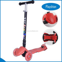 Well selling foldable Maxi kick scooter with 4 big flashing wheels