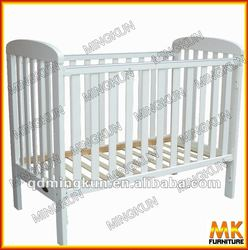 solid wood nestling cot bed/baby crib
