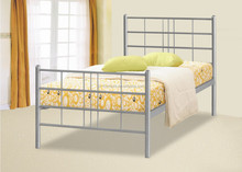 simple and decent queen metal bed made in China for bedroom
