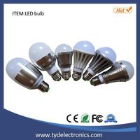 Factory Price energy saving led light SMD E27 B22 5w led bulb