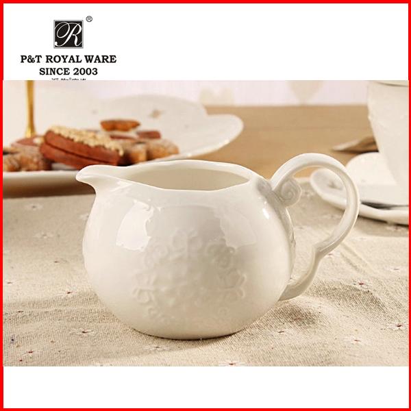 wholesale New Elegant hotel white ceramic milk jug
