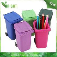Plastic Material and Home Usage plastic mini desktop trash can