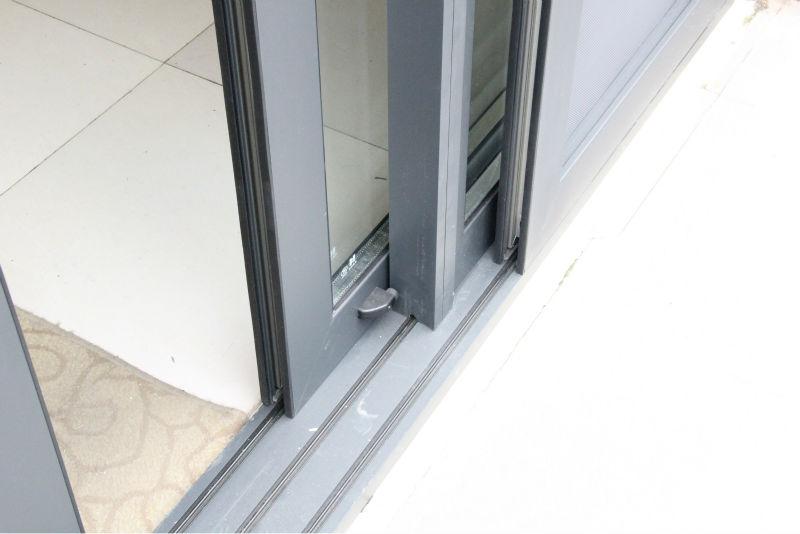 aluminiumprofil schiebet r balkon franz sisch t ren t r produkt id 1476019747. Black Bedroom Furniture Sets. Home Design Ideas