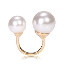 Customize Hot Sale exaggerated Pearl Rings For Women High Quality White Black Gold Plated Pearl Rings For Women Pearl Rings