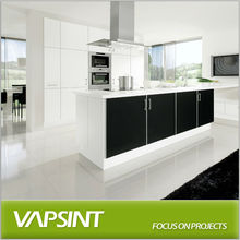 White and black lacquer kitchen with island