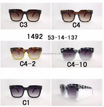 Manufacturer Supply Low Price Fashionable UV400 Sunglasses