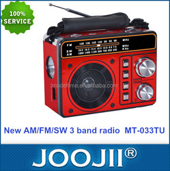 2015 hot sale portable USB SD AM FM SW radio rechargeable battery powered