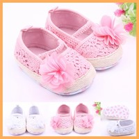 Beautiful baby girl shoes,crochet baby shoes,plain white baby shoes