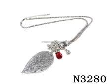 N3280 Fashion Charming Vintage Leaf Pendant Necklace